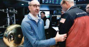 Wall Street termina dispar en mercado atento al crecimiento